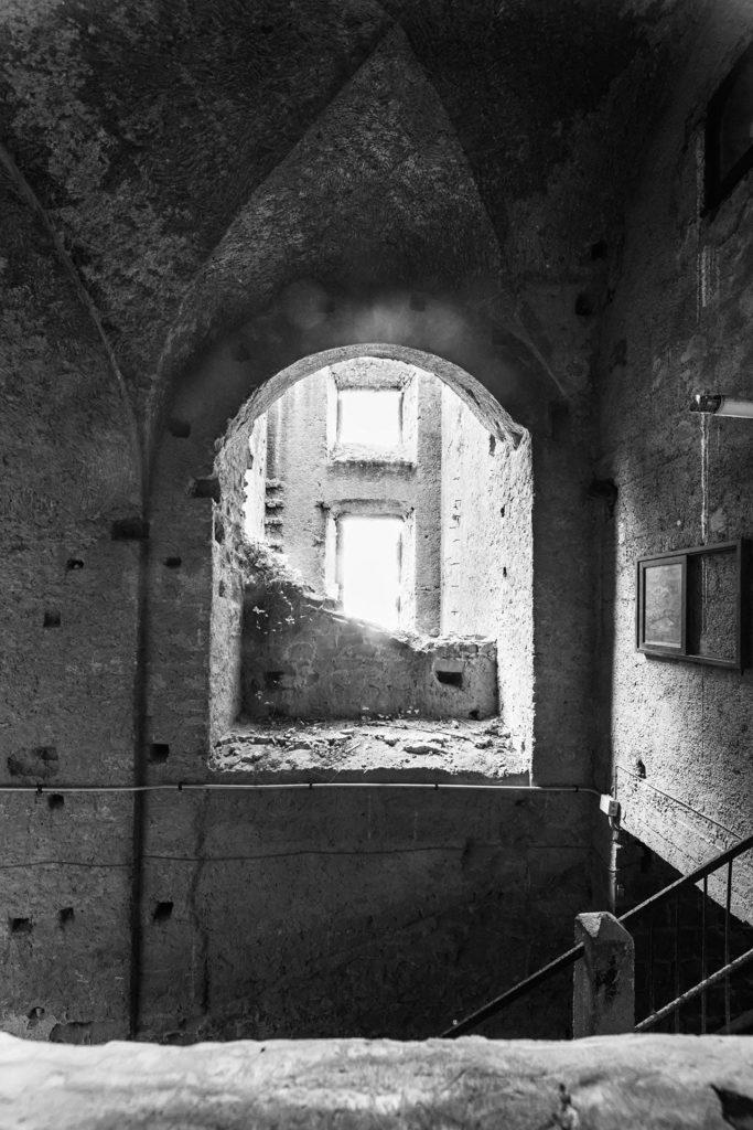un libro sullo storico palazzo di Napoli a cura di pietro belli