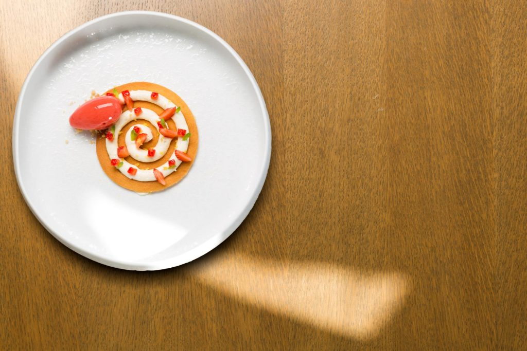 eccellenze campane, il ristorante Caracol, una stella Michelin, i desert