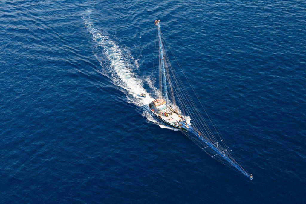 la pesca del pesce spada nello stretto di messina foto aerea